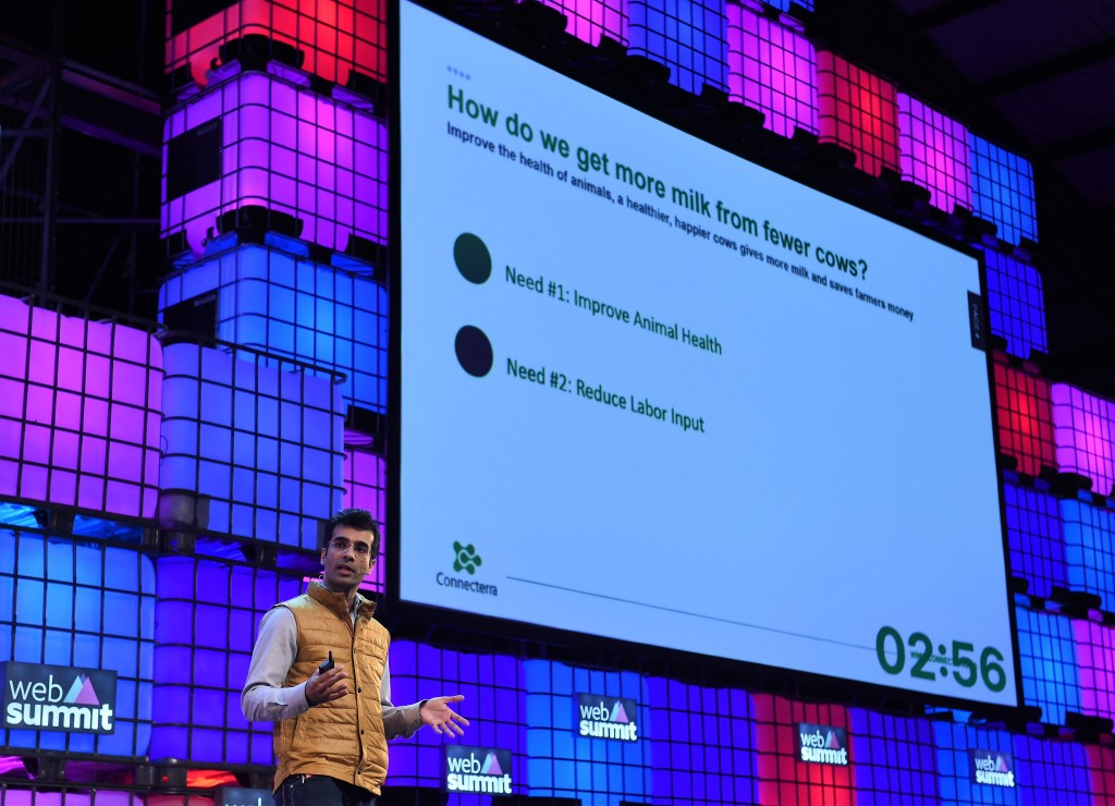 5 November 2015; Connecterra during the PITCH final on the Centre Stage during Day 3 of the 2015 Web Summit in the RDS, Dublin, Ireland. Picture credit: Stephen McCarthy / SPORTSFILE / Web Summit